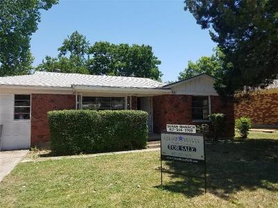 White Settlement Single Family Home For Sale: 821 Odie Drive
