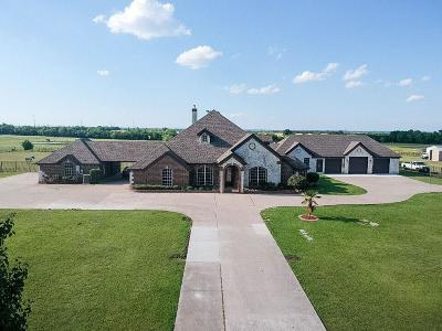 Royse City, Terrell, Forney, Sunnyvale, Rowlett, Lavon, Caddo Mills, Poetry, Quinlan, Point, Wylie, Garland, Mesquite Single Family Home For Sale: 434 E Linda Lane