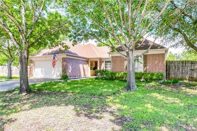 North Richland Hills Single Family Home For Sale: 6872 Dogwood Court