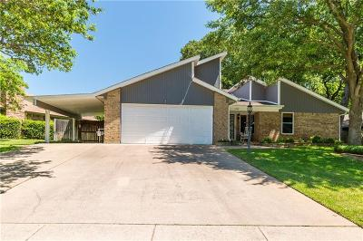 Grapevine Single Family Home For Sale: 1532 Tiffany Forest Lane