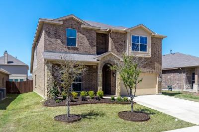 Fort Worth Single Family Home For Sale: 15733 Carlton Oaks Drive