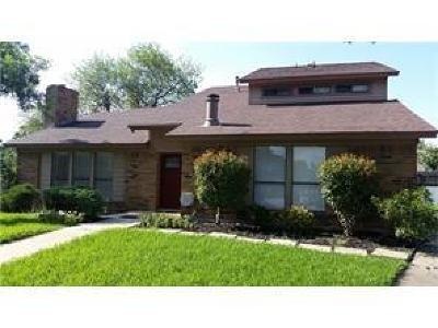 Bedford Single Family Home For Sale: 2120 Oakmeadow Place