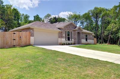 Grand Prairie Single Family Home For Sale: 1305 Avenue C