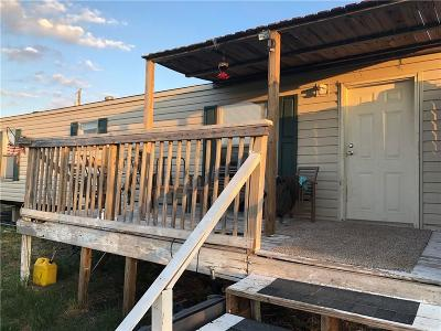 Rhome TX Single Family Home For Sale: $114,900