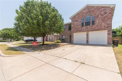 Fort Worth Single Family Home For Sale: 4513 Badlands Drive