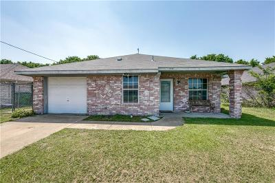Crandall, Combine Single Family Home Active Contingent: 219 Briar Creek Drive