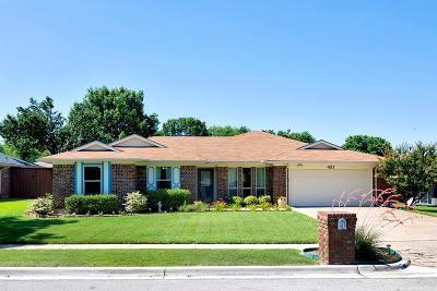 Keller Single Family Home Active Option Contract: 421 La Quinta Circle S