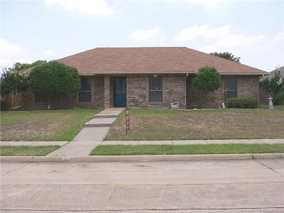Carrollton Single Family Home Active Option Contract: 1605 Steenson Drive