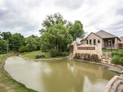 Fort Worth Single Family Home For Sale: 15036 Seventeen Lakes Boulevard