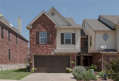 Coppell Townhouse Active Contingent: 1028 Colonial Drive