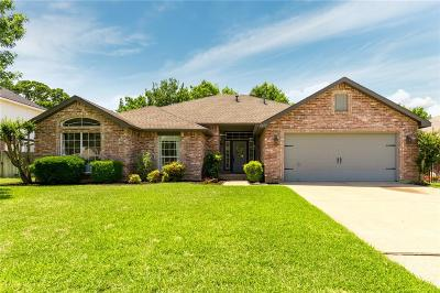 North Richland Hills Single Family Home For Sale: 7829 Ember Oaks Drive