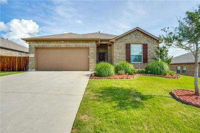Azle Single Family Home For Sale: 1316 Glenwood Drive