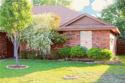 Johnson County Single Family Home For Sale: 301 Vista Ridge Drive