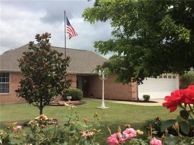 Navarro County Single Family Home Active Contingent: 506 W Camden Street