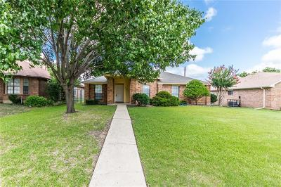 Mesquite Single Family Home For Sale: 2427 Hollow Bend