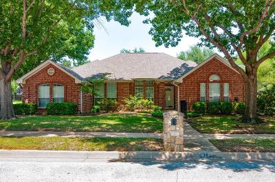 North Richland Hills Single Family Home For Sale: 7813 Hidden Oaks Drive