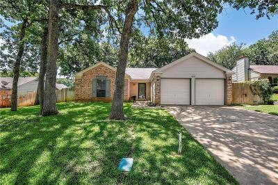 Bedford, Euless, Hurst Single Family Home Active Option Contract: 416 Thorn Wood Drive