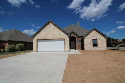 Cleburne Single Family Home For Sale: 815 Chestnut Grove Drive