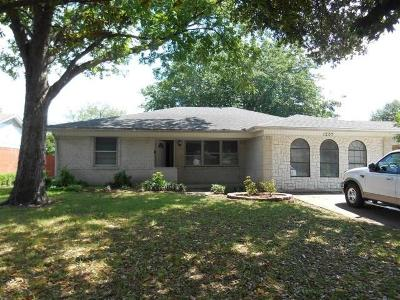 Single Family Home For Sale: 1207 Dearborn Drive