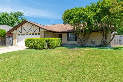 Benbrook Single Family Home For Sale: 10144 Locksley Drive