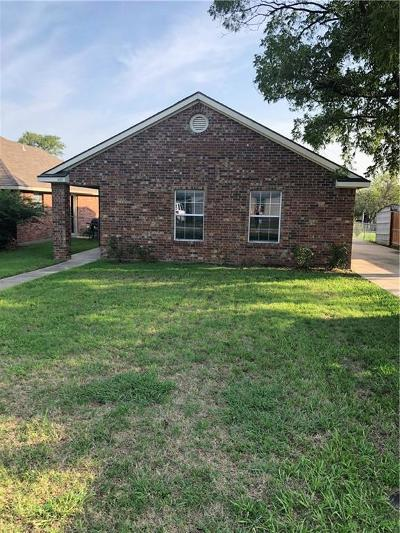 Single Family Home For Sale: 409 W Maple Street