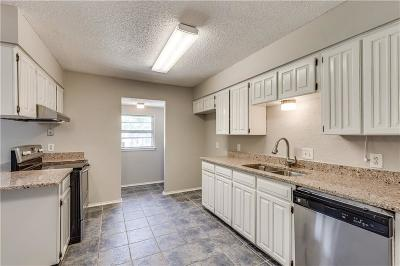 Bedford Single Family Home For Sale: 3216 Meadow Wood Lane