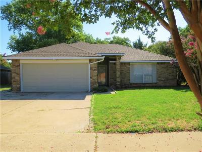 Grand Prairie Single Family Home For Sale: 4974 Briar Oaks Lane