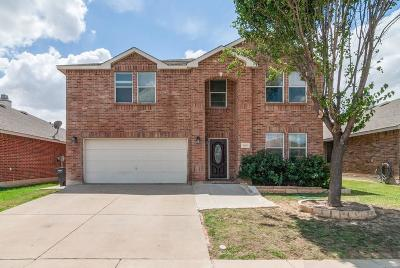 Fort Worth Single Family Home For Sale: 7653 Indigo Ridge Drive