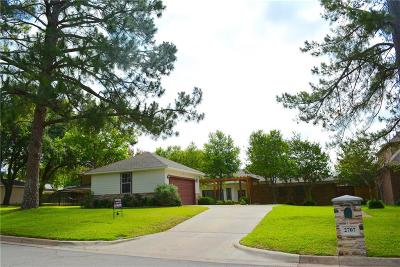 Arlington Single Family Home For Sale: 2707 Wooded Acres Court