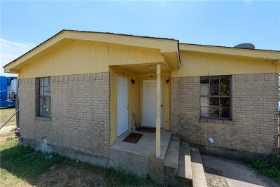 Fort Worth Multi Family Home For Sale: 112 Arrowhead Street