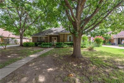 Denton Single Family Home For Sale: 1325 Cambridge Lane