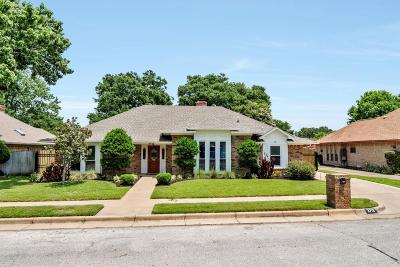Bedford, Euless, Hurst Single Family Home For Sale: 3712 Woodmont Court