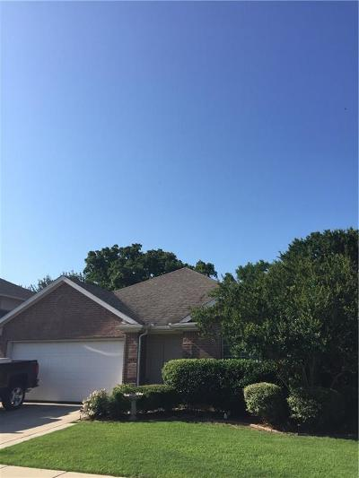 Azle Single Family Home For Sale: 1208 Edgewater Drive