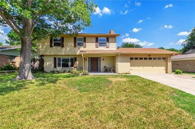 Bedford Single Family Home For Sale: 904 Charleston Drive