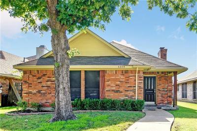 Rowlett Single Family Home For Sale: 3309 Sara Drive