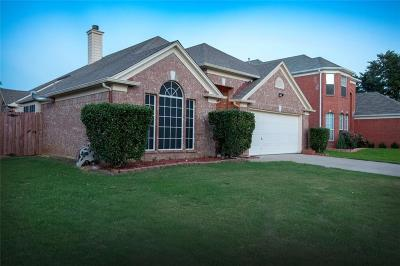 Euless Single Family Home For Sale: 1104 Winston Drive