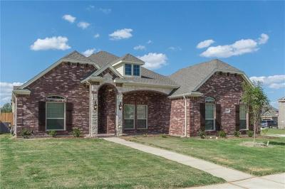 Kennedale Single Family Home For Sale: 1613 Montelena Avenue