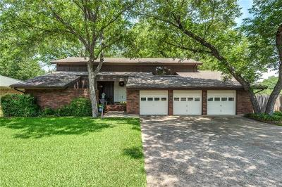 Hurst Single Family Home For Sale: 408 Arcadia Street