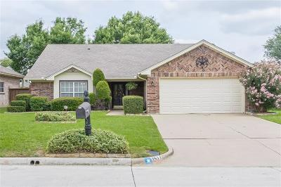 Mansfield TX Single Family Home For Sale: $240,000