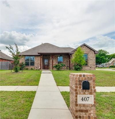 Ennis Single Family Home Active Option Contract: 407 Centennial Avenue