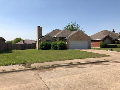 Desoto Single Family Home For Sale: 514 Starling Drive
