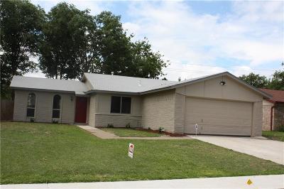 Arlington Single Family Home For Sale: 1418 Amhurst Drive
