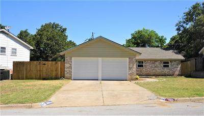 Euless Single Family Home For Sale: 1900 Mary Drive