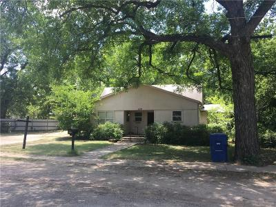 Brown County Single Family Home For Sale: 1209 Cottage Street