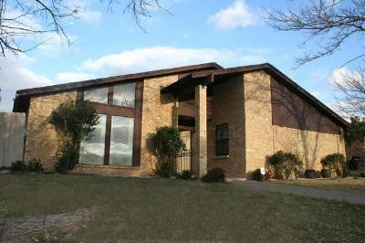 Fort Worth TX Single Family Home For Sale: $179,000