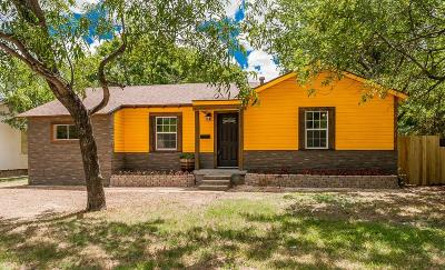 Grand Prairie Single Family Home For Sale: 410 35th Street