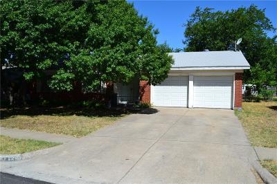 Saginaw Single Family Home For Sale: 712 Palomino Drive