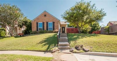 Lewisville Single Family Home For Sale: 2207 Teakwood Court