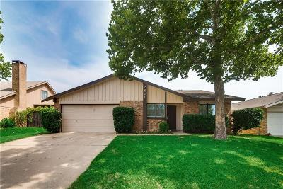 Bedford, Euless, Hurst Single Family Home For Sale: 2821 Willow Bend