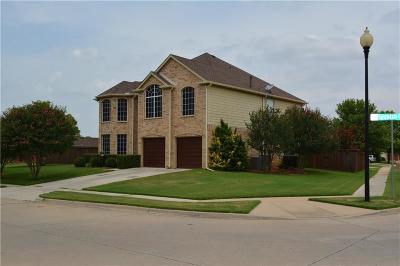 Lake Dallas Single Family Home For Sale: 300 Spanish Oak Drive